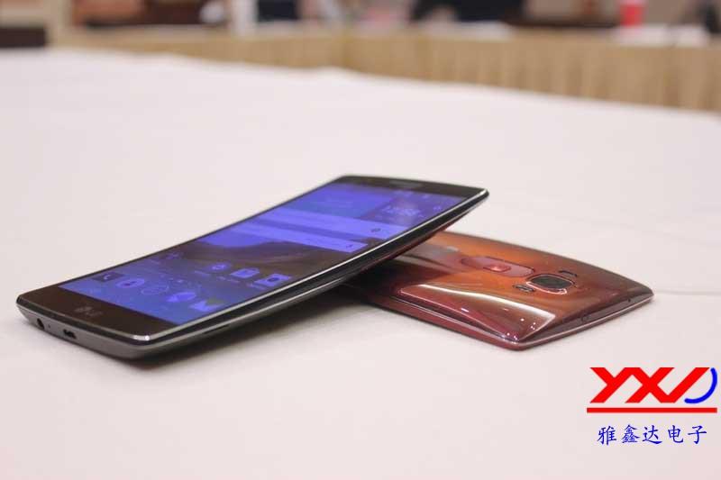 LG手机G Flex2 CMF设计